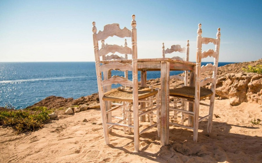 hostal-la-torre-ibiza-table-xxlarge