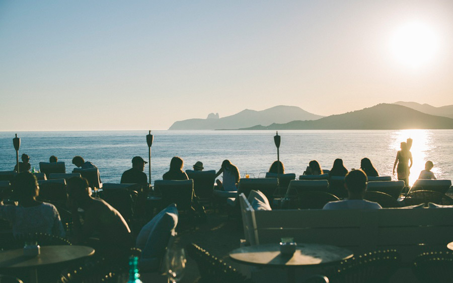 Experimental-Beach-BBQ-Sunset-Ibiza