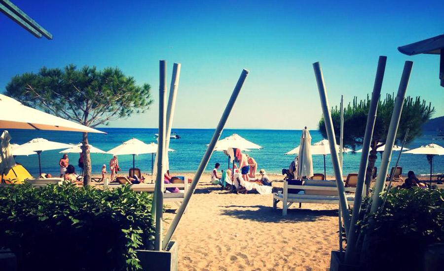 Pura-Vida-Beach-Club-Ibiza