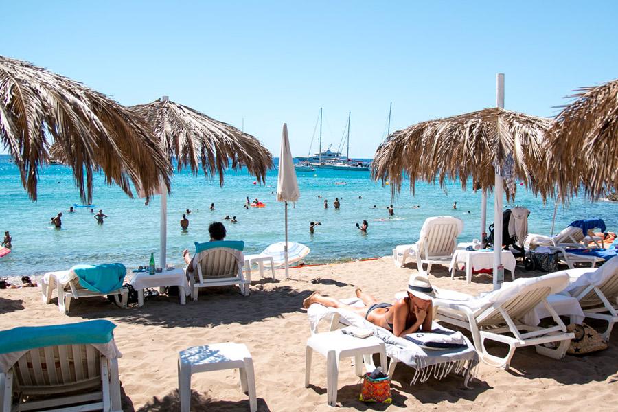 IMG_6329_beach_restaurant_tropicana_ibiza